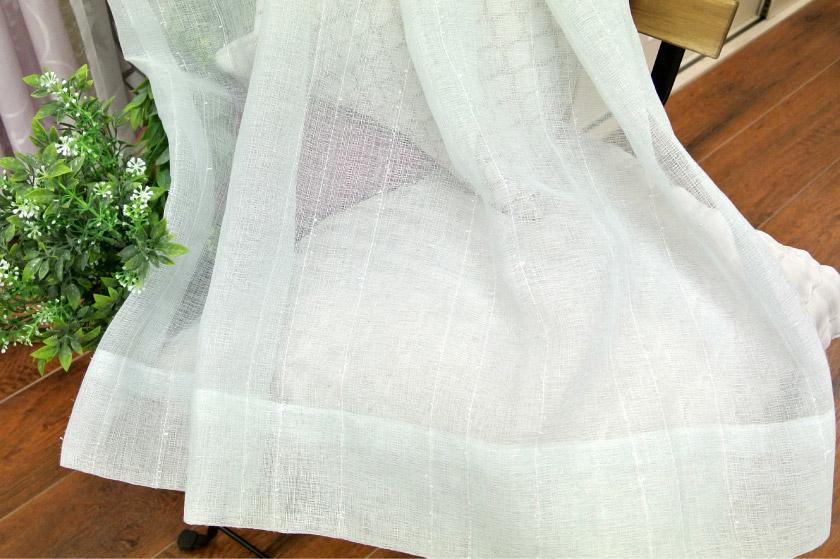 麻の雰囲気が涼しげなレースカーテン
