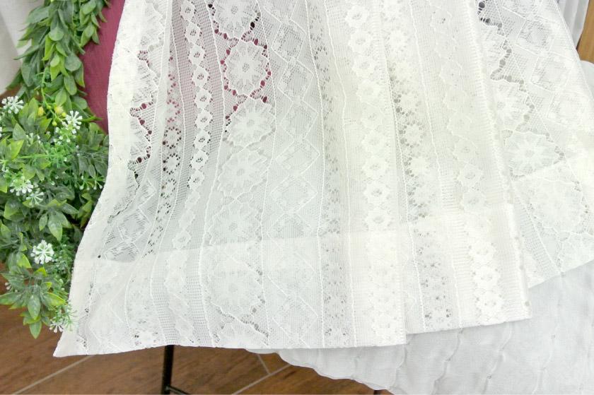 ナチュラルな可愛いレース編みのレースカーテン