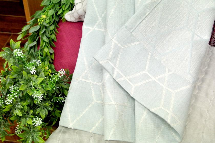 爽やかな色の幾何学模様ナチュラルカーテン