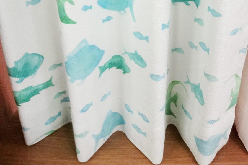 お魚がいっぱいのカーテン