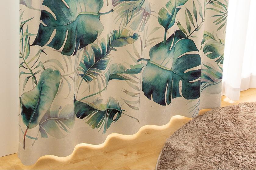 水彩で描いたようなモンステラやバナナの葉 生地アップ画像