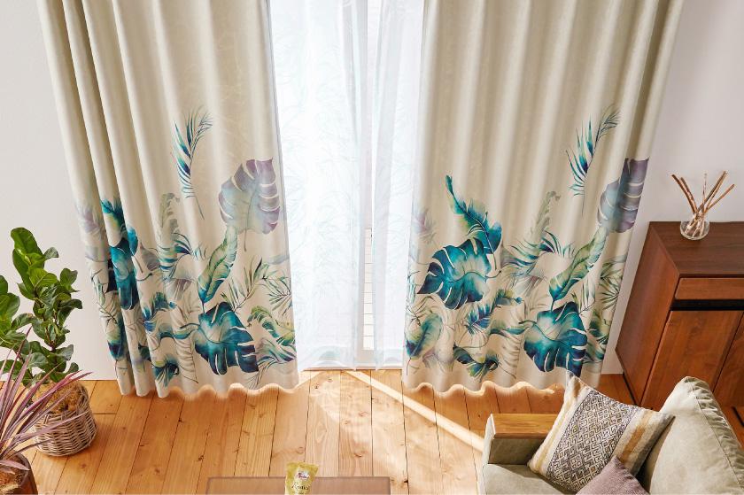 大きい亜熱帯リーフで華やかなカーテン