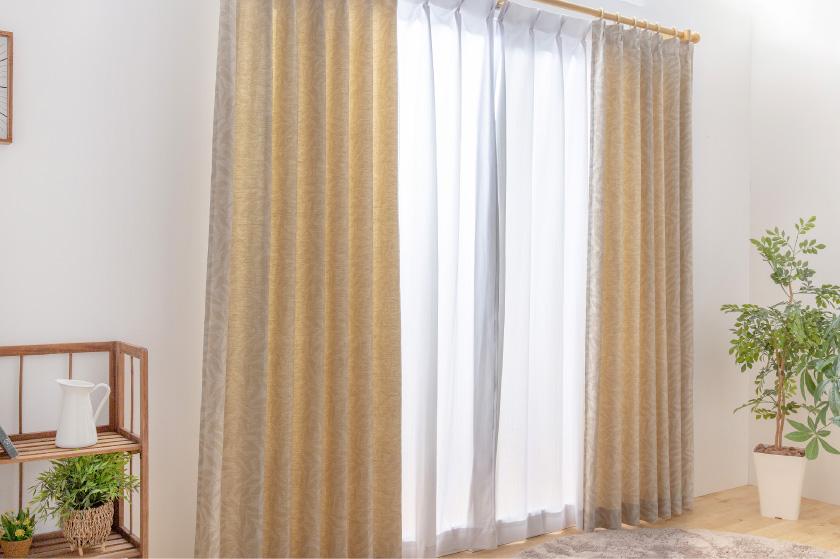 和室にも合いそうなナチュラルカーテン