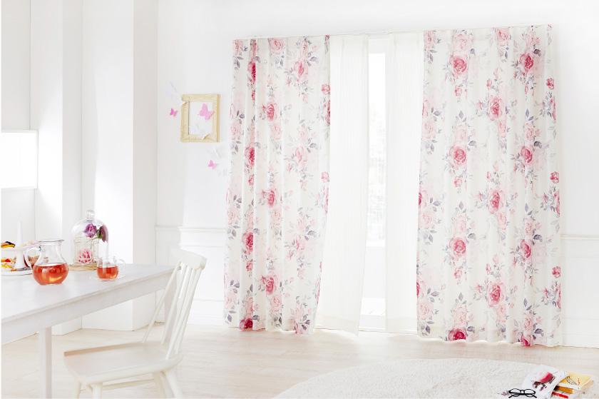 バラ柄のフェミニンな可愛いオーダーカーテン