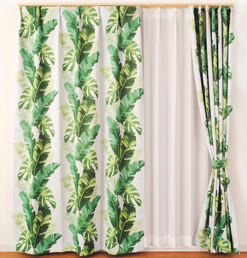お得な既製カーテン。バナナの葉をプリントしたハワイアンなカーテン