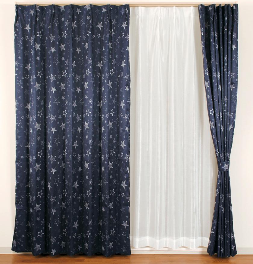 デニム風生地にストライプをプリントした人気の格安既製4枚セットカーテン