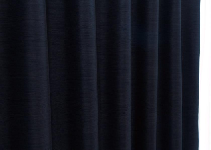 遮光1級の無地カーテン生地アップ